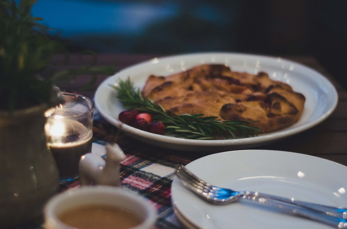 Friday Faves: Host a Christmas Coffee